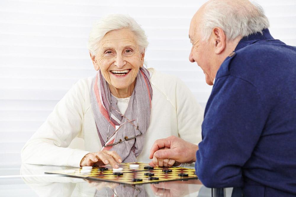 Идеи подарков для пожилых людей